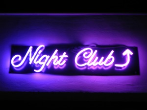nightclub-in-neon-108681294533967qk7
